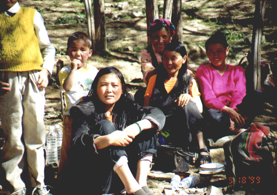 照片 沐浴节里的藏民们