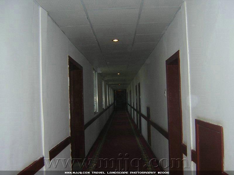 定日珠峰賓館房間走廊