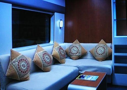 圖片:上海至成都動車高級軟臥車廂還有沙發