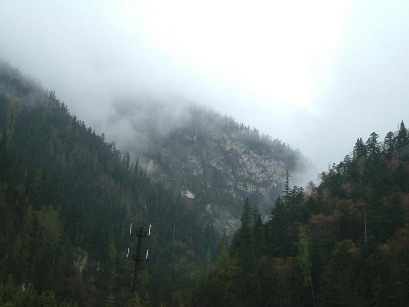 照片:九寨沟·山·雾