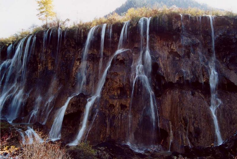照片:洛日郎瀑布1