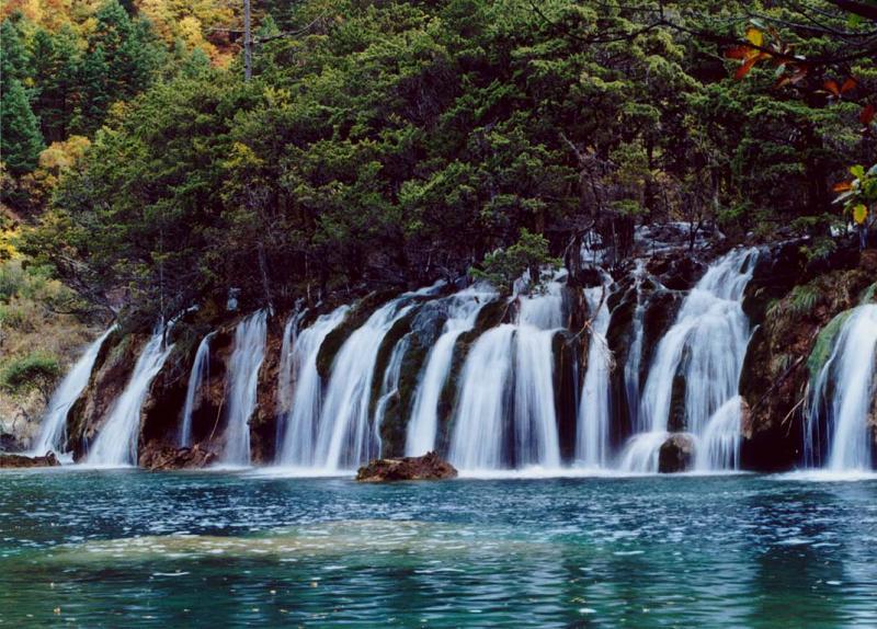 照片:火花海叠瀑