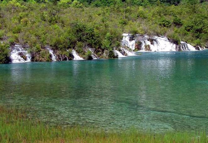 照片:九寨-小瀑布群