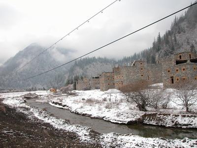 照片:路上的冬天-碉楼