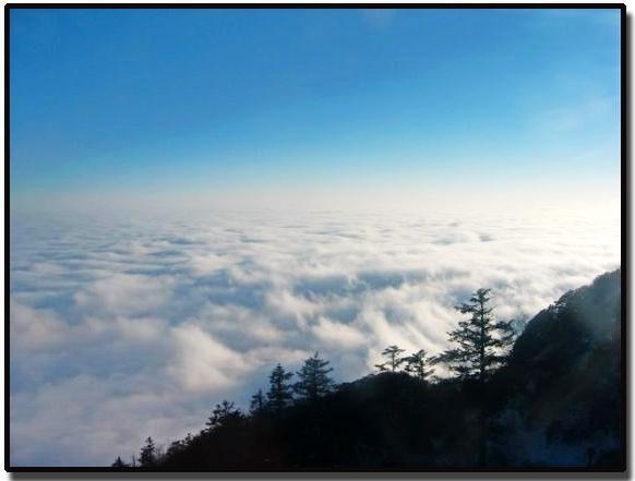照片:峨眉山