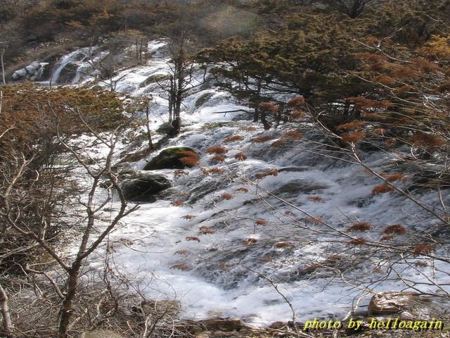 照片:三叠瀑布