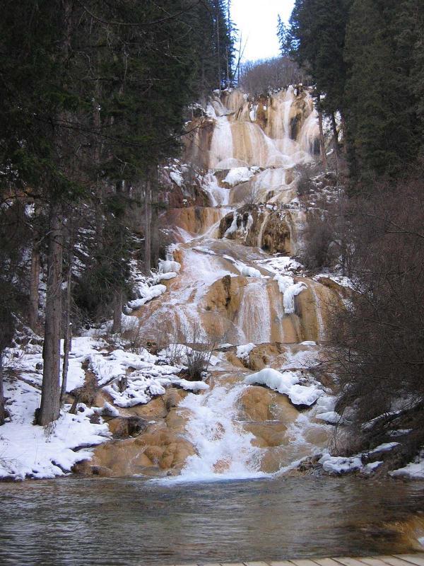 照片:冬日牟尼沟扎嘎瀑布