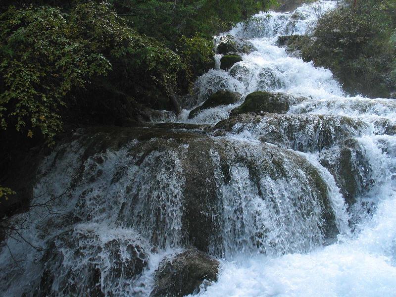 照片:九寨沟的水-熊猫海瀑布2