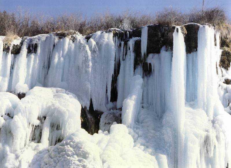 照片:九寨冰瀑