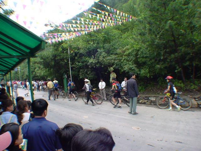 照片:自行车游四川 ( 直登九寨沟)