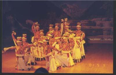 照片:藏族姑娘