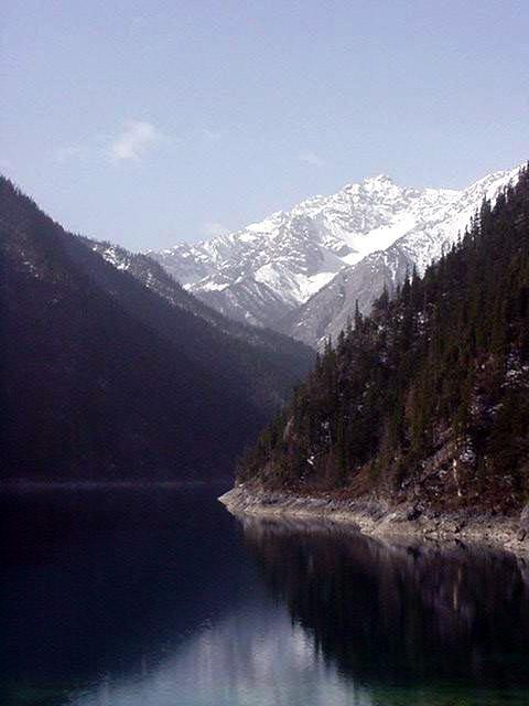 照片:蓝天,雪山-镜湖