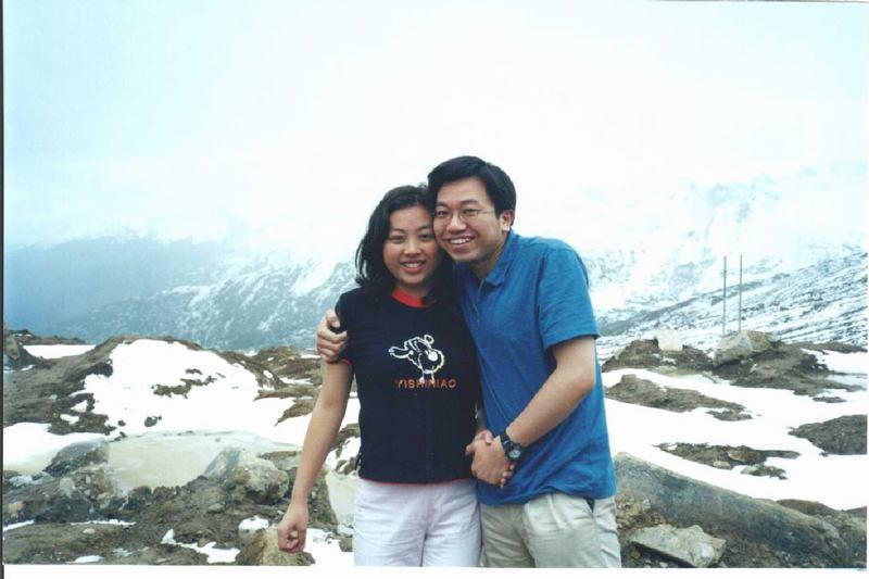 照片:我们在山顶上发抖
