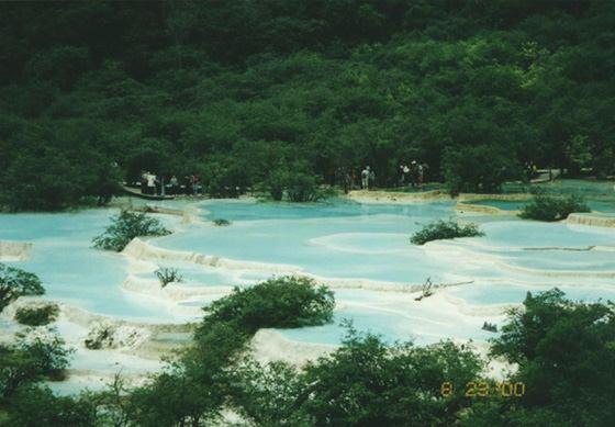 照片:黄龙 五彩池