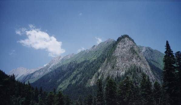 照片:山峦