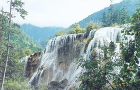 照片:珍珠滩瀑布