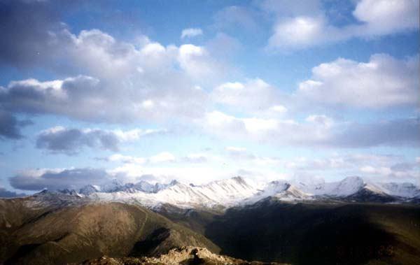 照片:远眺雪宝顶
