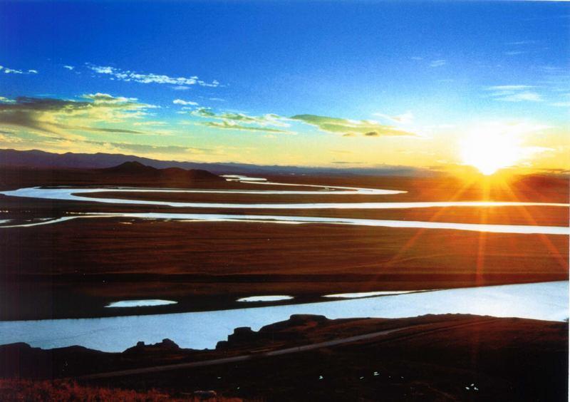 照片:九曲黄河第一弯