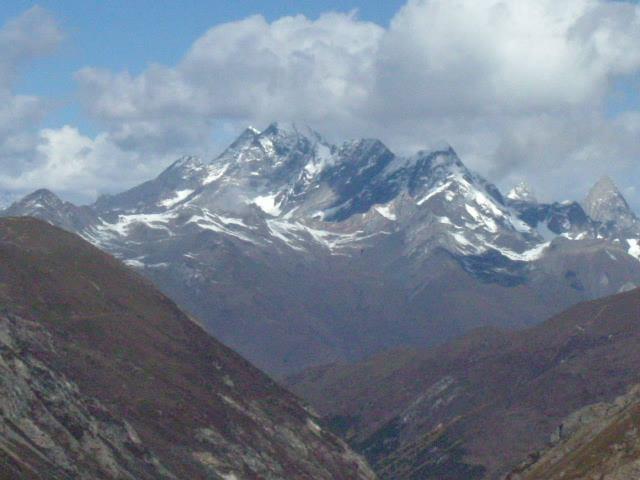 照片:远眺四姑娘山