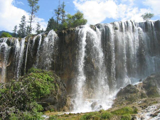 照片:九寨-珍珠滩瀑布