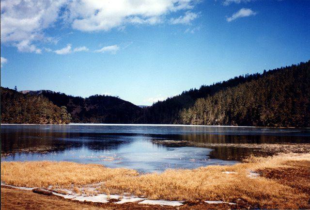 照片:署都湖