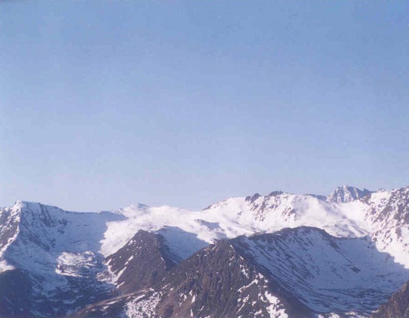 照片:五月巴朗山口