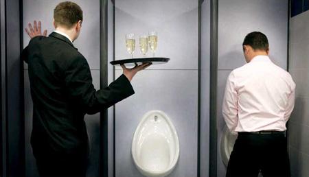 圖文:英國最棒公廁裡的服務
