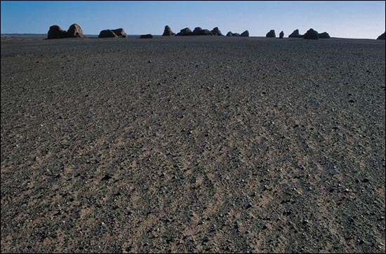 雖歷千年,卻依然矗立在茫茫戈壁中的古城——鎖陽城_圖集:走近羅布泊_樂途旅遊網