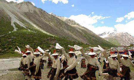 藏北草原的牧民們載歌載舞_組圖:藏北無人區的美麗風景