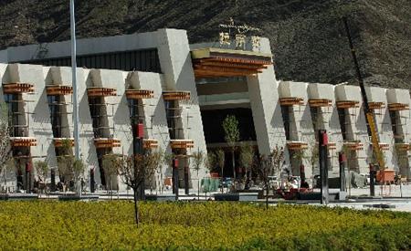 組圖:青藏鐵路穿藏裝