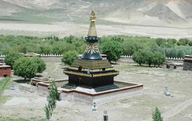 圖片:西藏山南-桑耶寺四塔之 黑塔