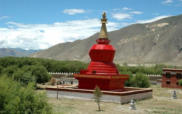 圖片:西藏山南-桑耶寺四塔之 紅塔