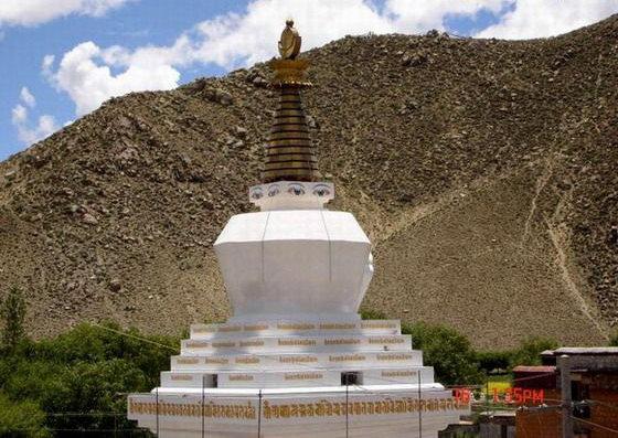 圖片:西藏山南-桑耶寺四塔之 白塔