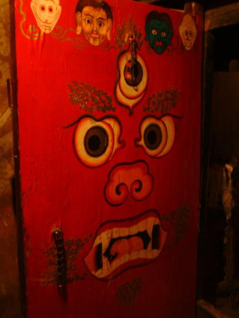 白居寺裡面富有特色的門