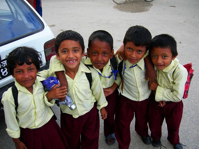喜馬拉雅風情-加德滿都穿著校服的小學生