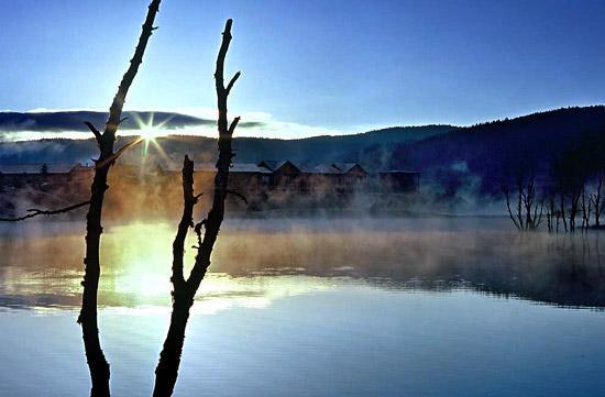 雲南香格里拉-屬都湖