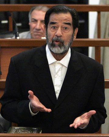 圖文:伊拉克前總統薩達姆·侯賽因接受審判
