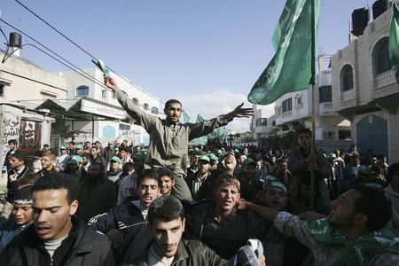 圖文:支持者慶祝哈馬斯贏得立法委選舉