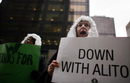 圖文:反對者反對阿利托就任聯邦大法官