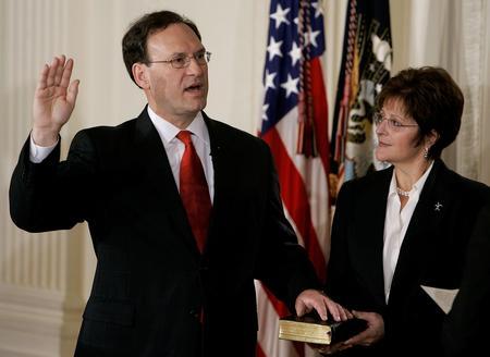 圖文:美國最高法院任命阿利托就任聯邦大法官