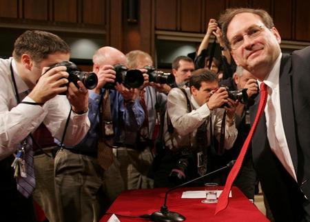 圖文:阿利托就任美國聯邦大法官與媒體見面