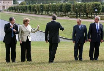 圖文:五國首腦在聖彼得堡參加G8峰會