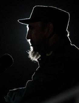 圖文:卡斯特羅在哈瓦納廣場講話