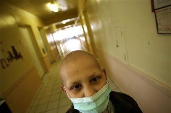 圖文:1名因核事故患癌烏克蘭男孩
