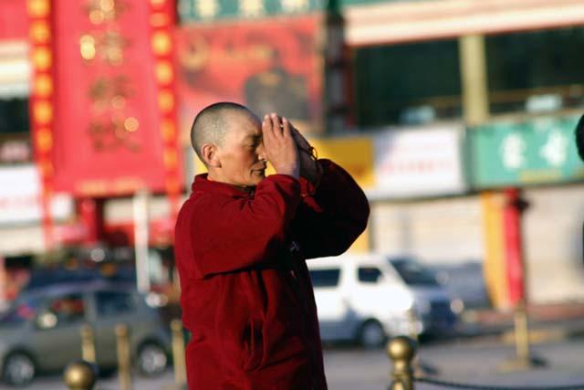 布達拉宮前的喇嘛