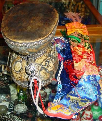 西藏密宗法器: 人皮鼓