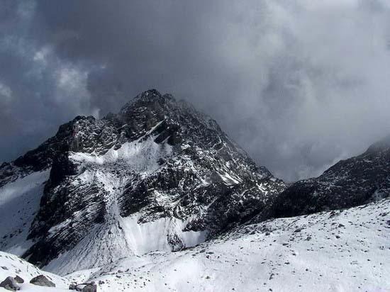 氣勢磅礡的雄偉山峰--玉龍雪山(1)