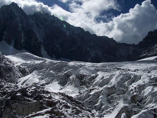 氣勢磅礡的雄偉山峰--玉龍雪山(7)