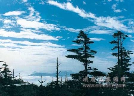 羅峰晴雲_峨眉山10大景觀
