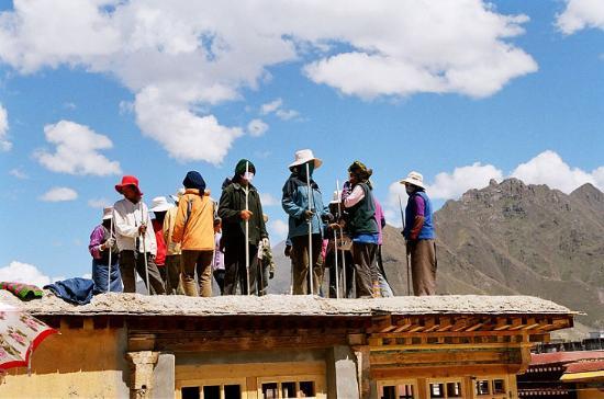 正在勞動的藏民